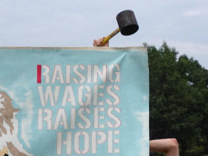 Raising-the-Minimum-Wage-Has-a-Negligible-Effect-on-Jobs_blog_post_fullWidth